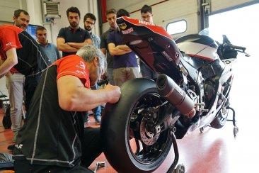 Lavorare nel bike motorsport: come entrare in un racing team
